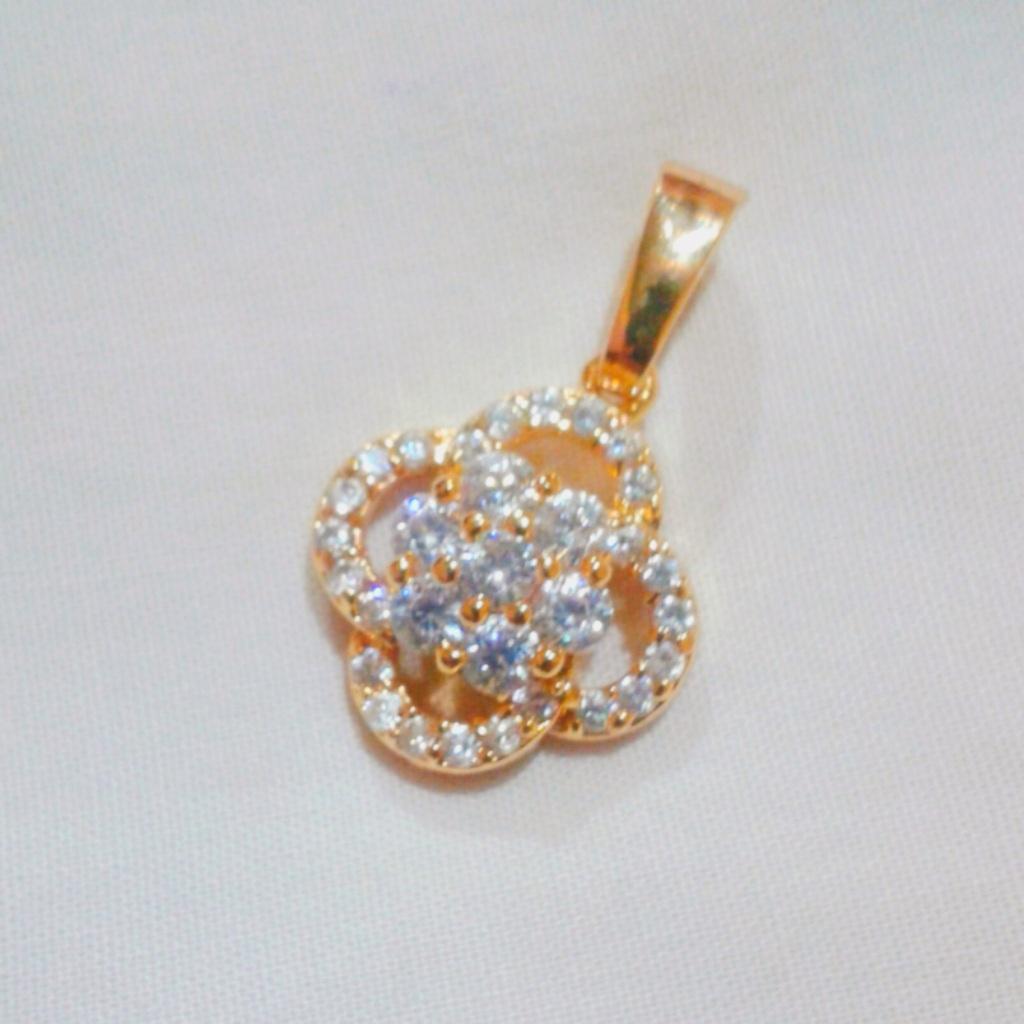 Women's Gold Plated Swarovski Crystal Pendant
