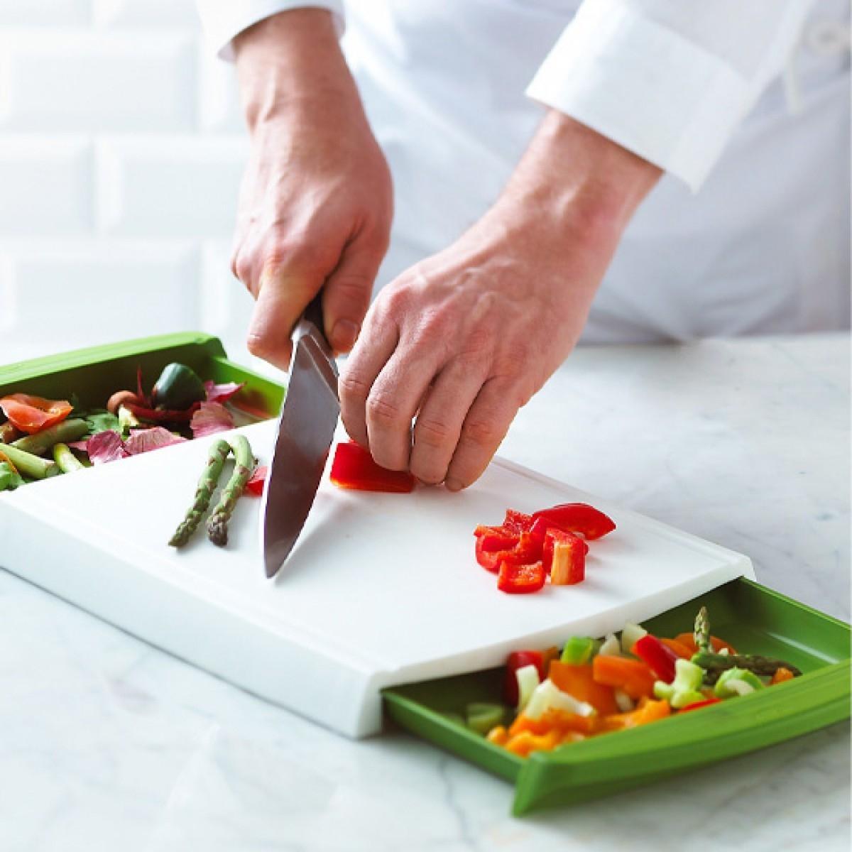 Green & White Chop 'n' Clear Cutting Board.