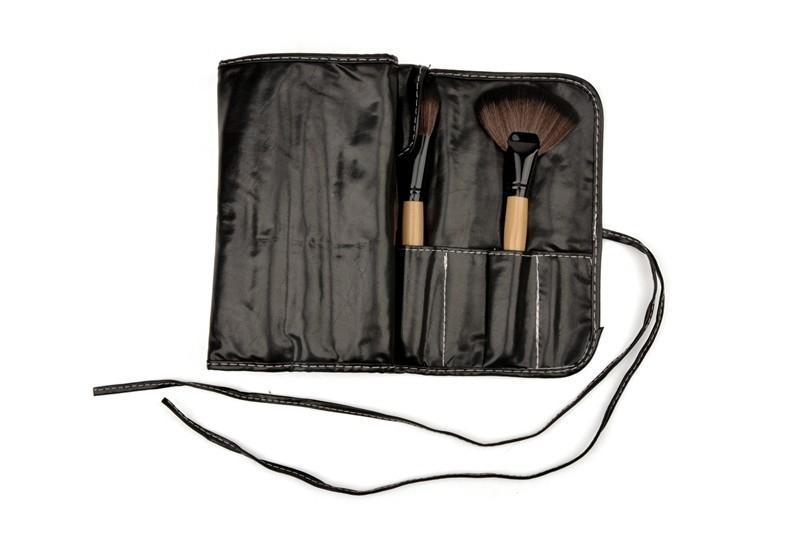 Pack Of 32 Make Up Brush Set