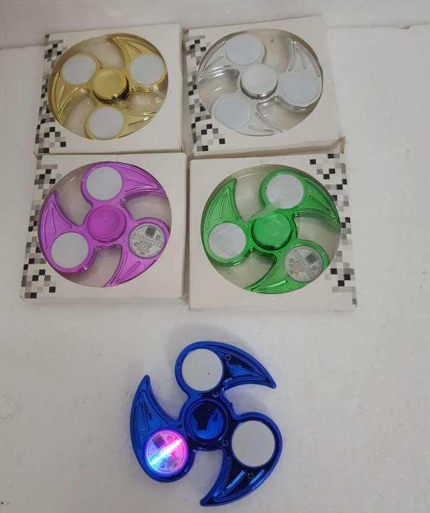 24 design  fidget light spinner
