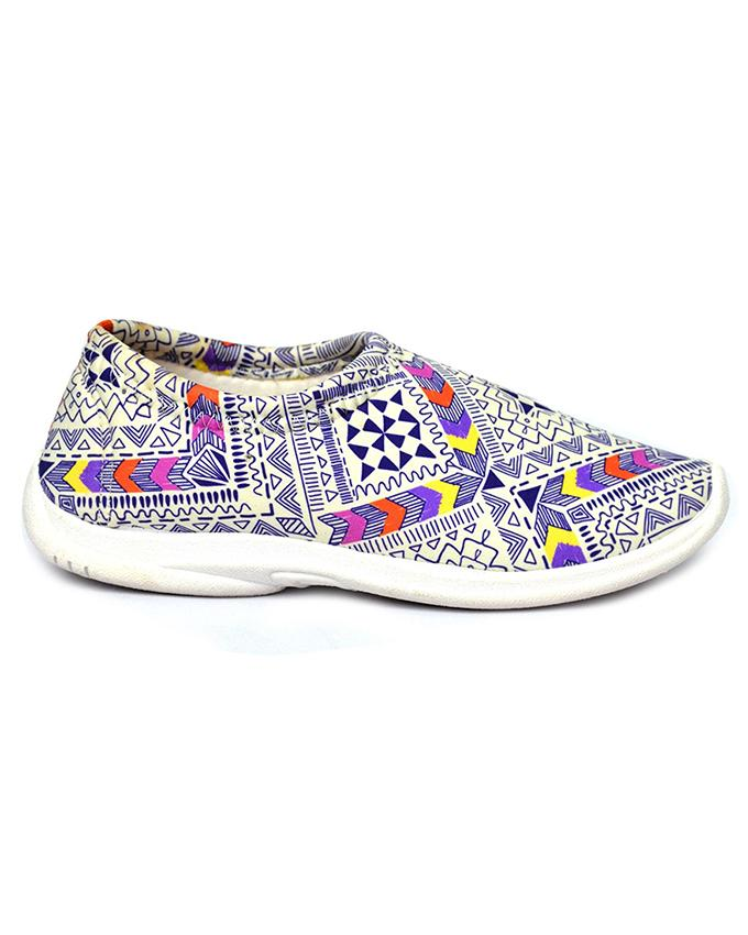 b6e1f792305a25 Bata Multi-Color Casual Shoe For Womens